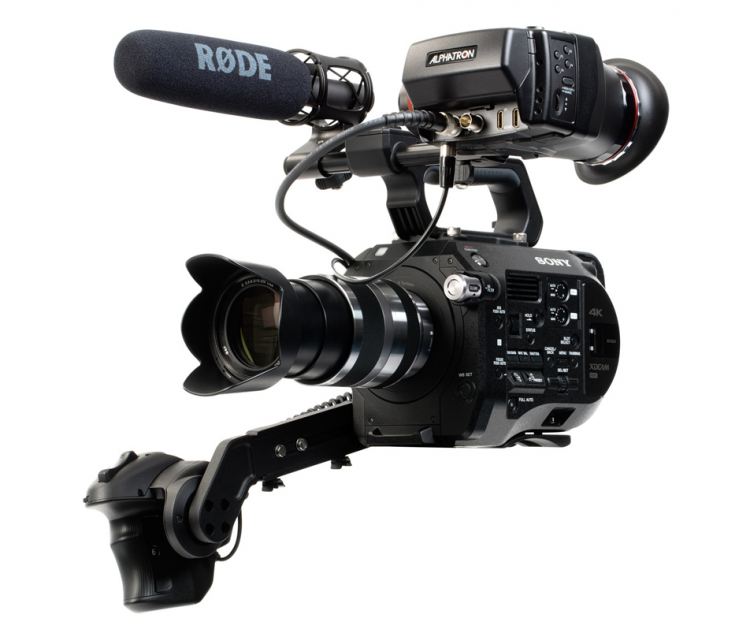 Alphatron-EVF-FS7-CION-Bracket-on-Sony-FS7