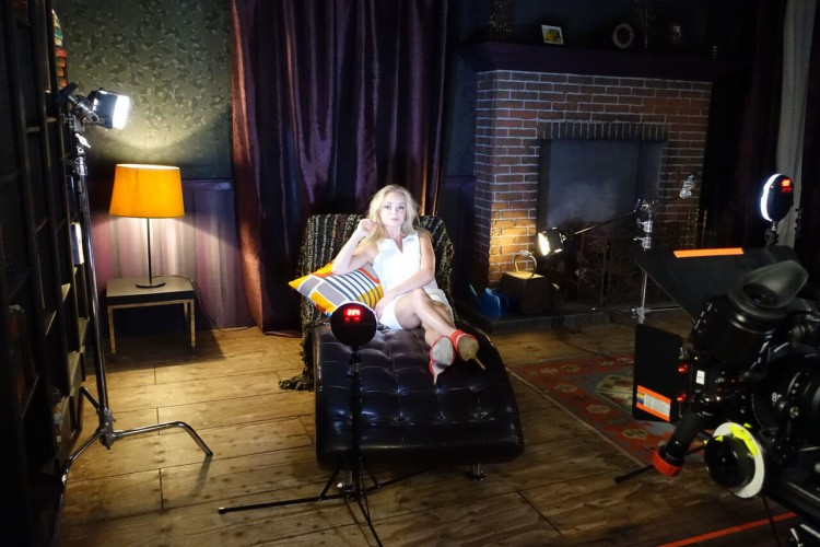on set with sekonic and rotolight