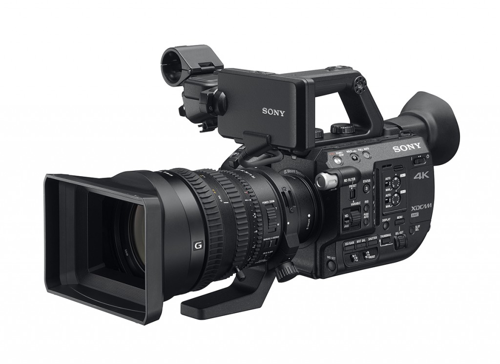 FS5 with 28-135 zoom lens