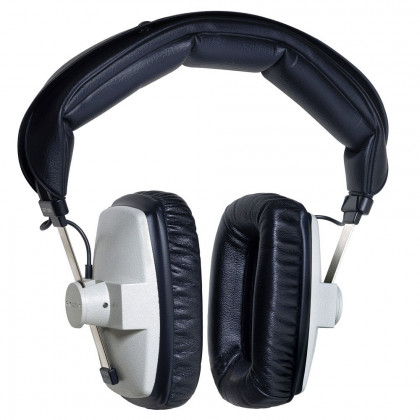 Studio headphones, closed syst