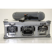 Includes Rycote Basket and Pistol G